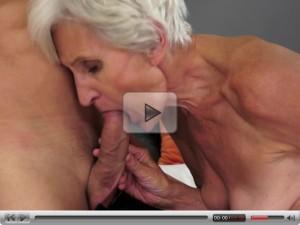 jebanje bakice, sex sa bakom, matorke pornici, pornic sa mamom