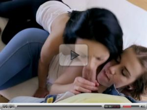 Grupni sex sa dve tinejdzerke