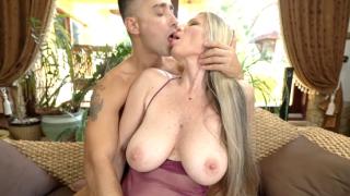 Big Tits Mom Porn